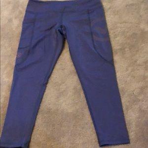 Virus crop leggings